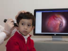 ear examination with otoscope image gallery otoscope