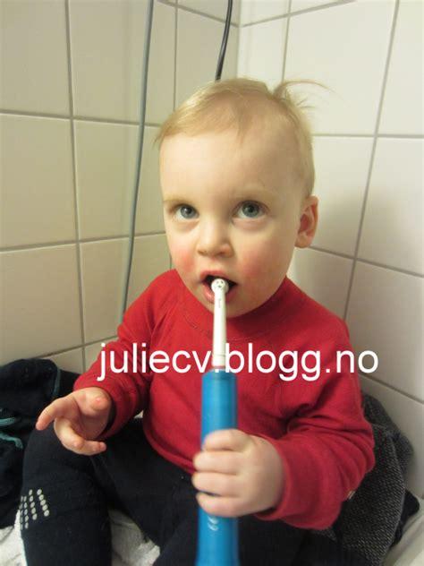 Englisch Cv Latinum Oliver Bilder News Infos Aus Dem Web