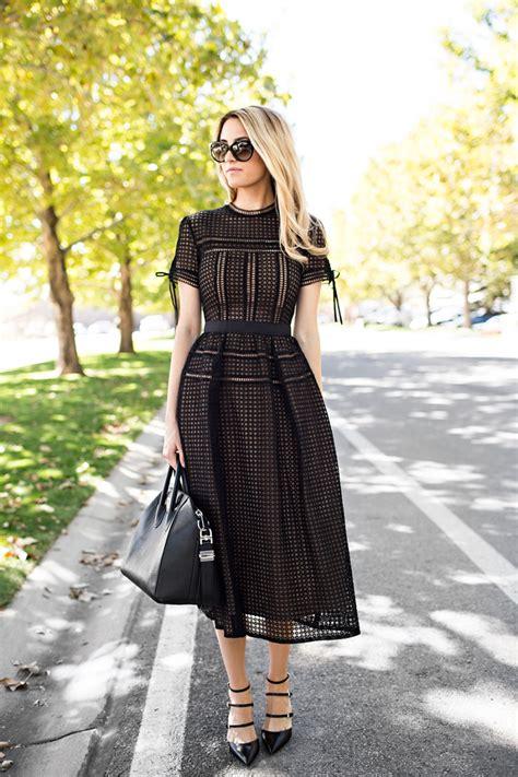blackout robe droite chic la mode vestimentaire