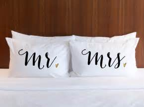 Wedding Gift Mr And Mrs Pillowcases Wedding Gift Mr Amp Mrs Pillow Case Set
