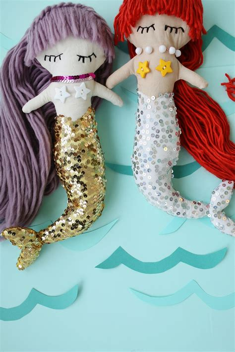 Mermaid Plush Dolls (with downloadable pattern)   A