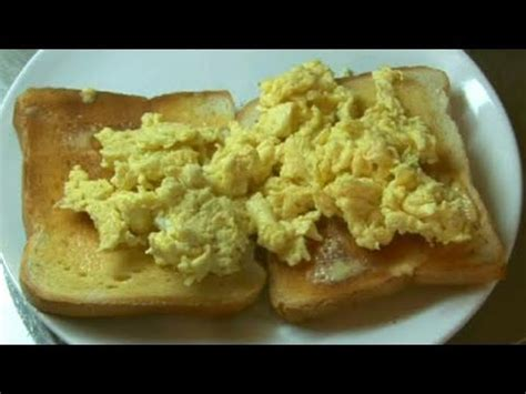 how to cook toast with scrambled eggs youtube