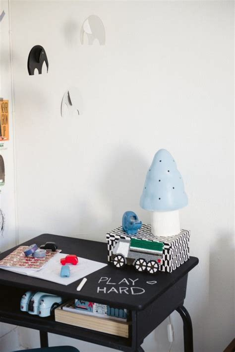 diy chalkboard desk diy chalkboard paint desk the idea paint a side