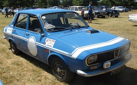 renault 12 gordini car show photo report at the chappelle de vehicules