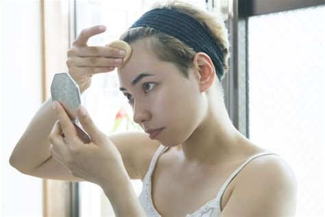 Even Banks Gets Pimples by How To Apply Makeup To Conceal Acne