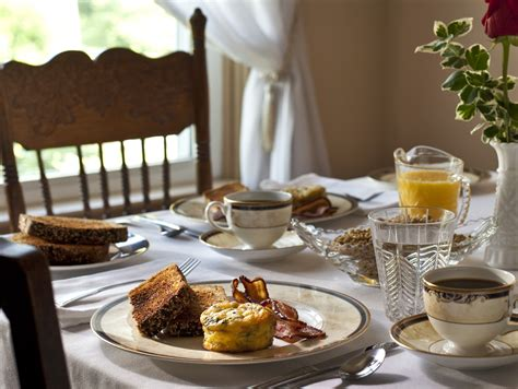 breakfast daily narragansett bed and breakfast