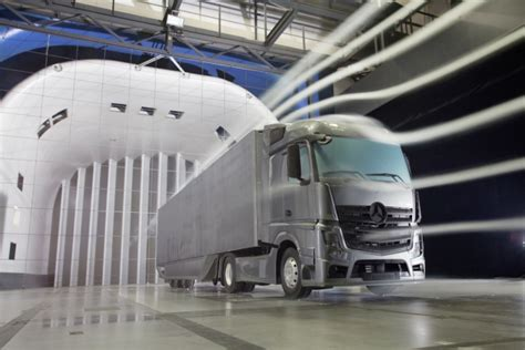 mercedes benz aerodynamics trailer cuts air resistance