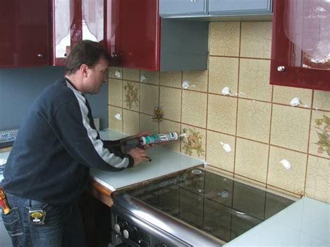 plaque mur cuisine rhabiller sa cuisine en plaques de verre galerie photos