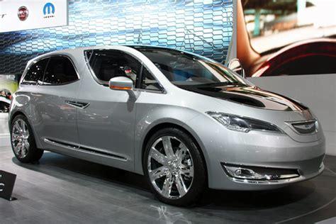 New Chrysler Minivan by Chrysler 700c Concept Minivan Quietly Rolls Into Detroit