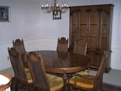 American Of Martinsville Dining Room Set by American Of Martinsville Furniture Classifieds