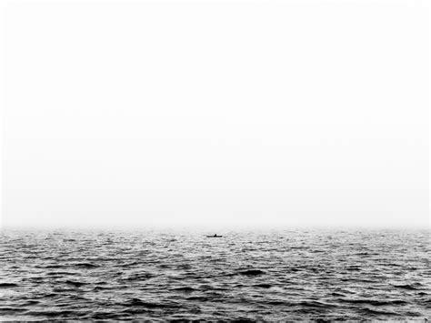 imagenes a blanco y negro de soledad barca en el mar oceano soledad blanco y negro jes 250 s g