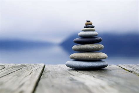 imagenes zen zen balancing rocks o a deck new zealand larry berkelhammer