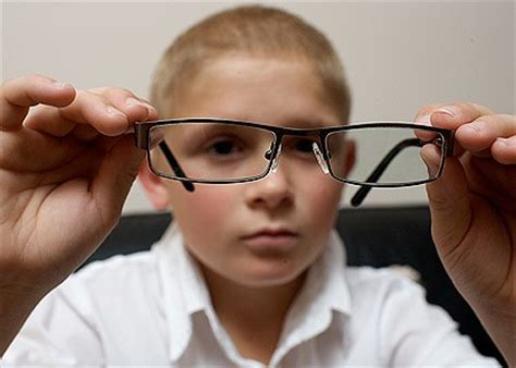 special glasses for light sensitivity differentiation for blindness special devices for the