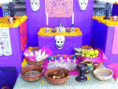 imagenes de como decorar un altar de muertos m 225 s de 25 ideas incre 237 bles sobre ofrenda de muertos en