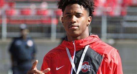Jones Mba Decision Date by No 1 2017 Wide Receiver Donovan Peoples Jones Sets