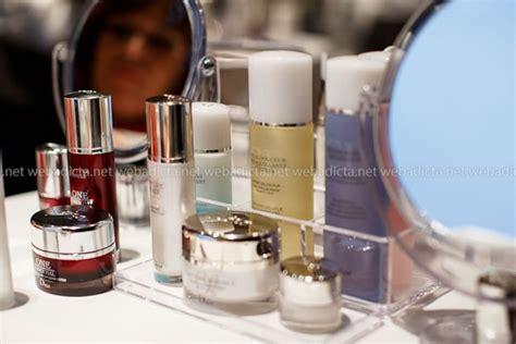 Belleza Essential class one essential el secreto para una piel luminosa y joven