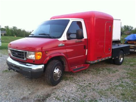 Truck Bed Sleeper Cers by Buy Used E 450 With Sleeper And Flat Bed Trailer Hauler