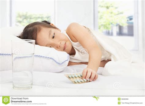 bed medicine 28 images sick little girl holding