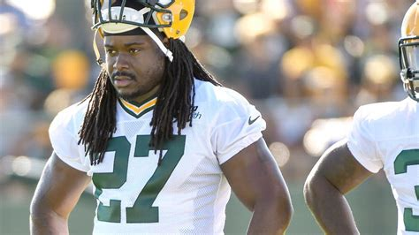 rb eddie lacy debating haircut after getting tackled by