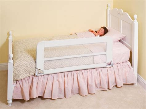 awesome and safe toddler bed with rails atzine com