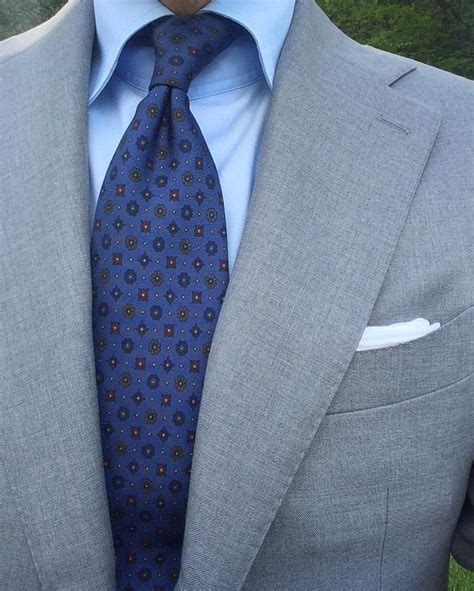 shirt with light grey suit best 25 light grey suits ideas on light grey