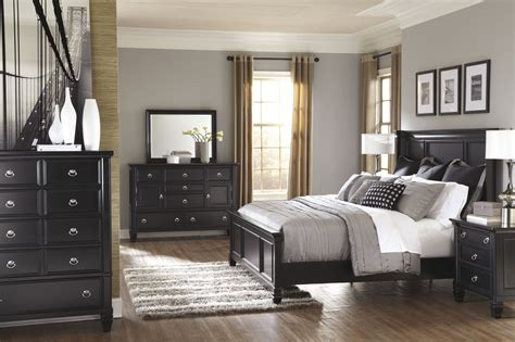 sm bedroom furniture four piece casual storage bedroom set in black mathis