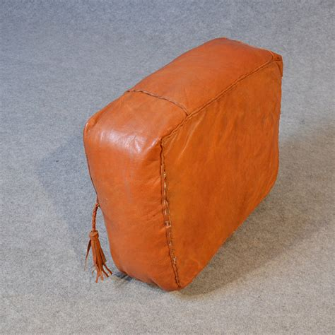 hassock ottoman footstool leather pouffe hassock tuffet footstool stool antiques atlas