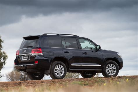 new toyota 2016 new toyota land cruiser specs announced autos world