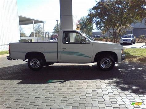 white nissan truck 1995 cloud white nissan hardbody truck xe regular cab