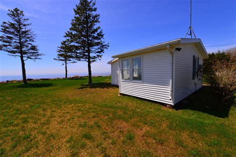 prince edward island real estate waterfront cottage for