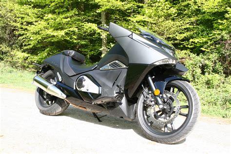 Motorrad Fahren Englisch by Kurztest Batman W 252 Rde Honda Vultus Fahren Magazin