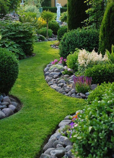 Landscape Garden Borders 25 Best Landscape Borders Ideas On Flower Bed