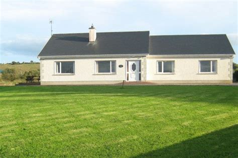 Inver Cottage by Lindsays Cottage Inver Self Catering Cottage In Donegal