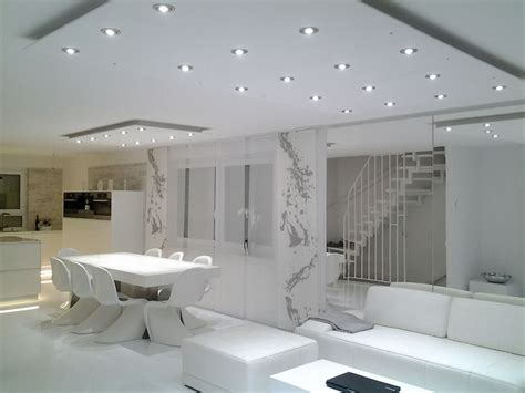 wohnzimmer beleuchtung spots die besten 17 ideen zu indirekte beleuchtung decke auf