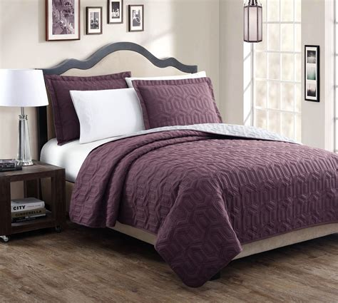 purple coverlet bedroom dark purple king quilt sets design ideas with