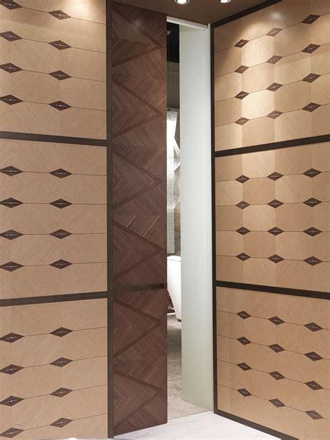 porte per ristoranti boiserie in legno intarsiato per alberghi e ristoranti