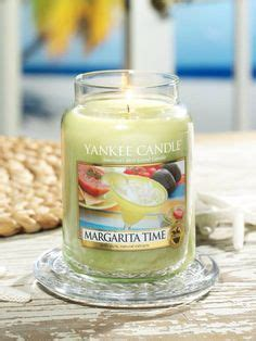 Bomb Cosmetics Piped Glass Candle Frozen Margarita Piped Archipelago Botanicals Tofino Scented Glass Jar Candle