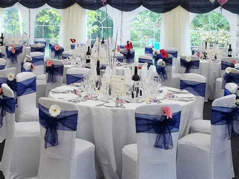 Looking for practical advice on how to decorate a wedding
