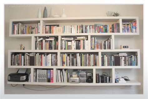 Rak Buku Yang Menempel Di Dinding rak buku minimalis unik images