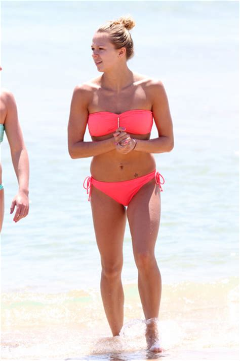 tonia couch hot retro bikini tonia couch showcases pink bikini shapes