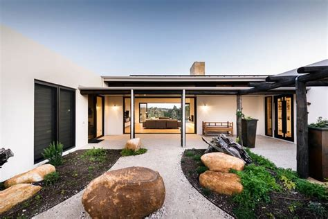 house in yallingup by adrian zorzi architecture