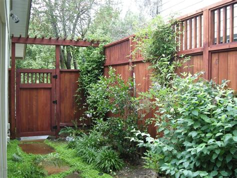 sideyard fence and gate green spaces with fresh air pinterest more gates and yards ideas
