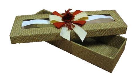 Contoh Keranjang Parcel jika berminat silahkan mendownload katalog keranjang parcel