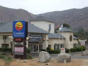 comfort inn and suites california book comfort inn suites sequoia kings canyon three rivers california hotels com