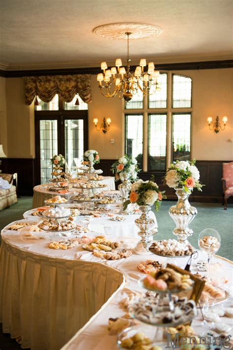 Wedding Cake Youngstown Ohio by Our Favorite Wedding Cakes Tables Of 2014