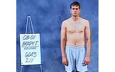 this photo of tom brady at the 2000 nfl combine...