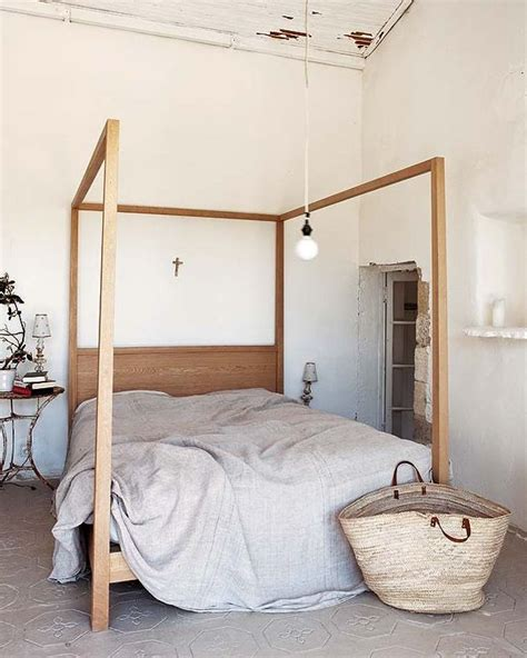 how to make a canopy bed without posts best 25 low bed frame ideas on pinterest low beds diy
