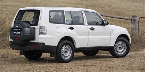 mitsubishi car 2006 2006 2010 mitsubishi pajero recalled for takata airbags