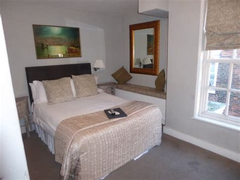 theme hotel whitby bedroom picture of white horse and griffin whitby