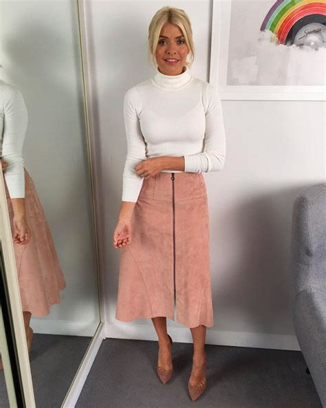 holly stars holly willoughby instagram nude skirt confuses fans
